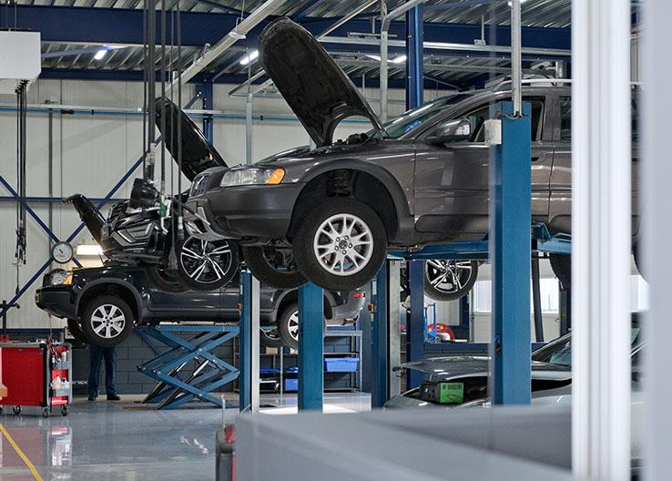 Garage Volvo Deurne auto van Tilburg